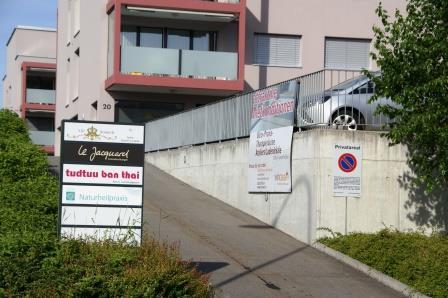 Angelika Johanna Bless Erlinsbacherstrasse 20 5000 Aarau Tel: 079 452 00 76